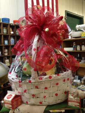 Custom holiday gift basket - Valentine's Day
