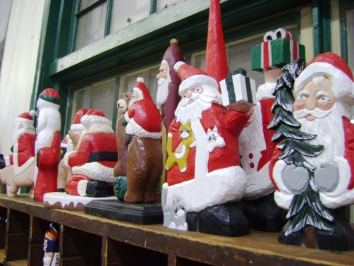 ranberry Corners Handcrafted Gifts | Santa Woodcarvings by Jim Clement