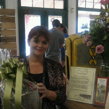 Cranberry Corners Customer Photo | Grand Re-opening Gift Basket Winner