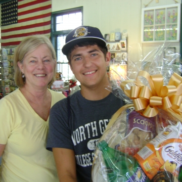 Cranberry Corners Customer Photo | University of North Georgia Welcome Back Gift Basket