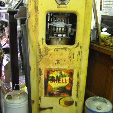 Antique Metal Yellow Shell Gas Pump