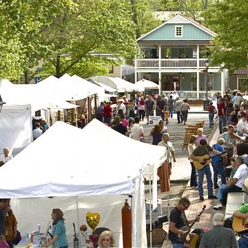 Dahlonega's Bear on the Square Festival